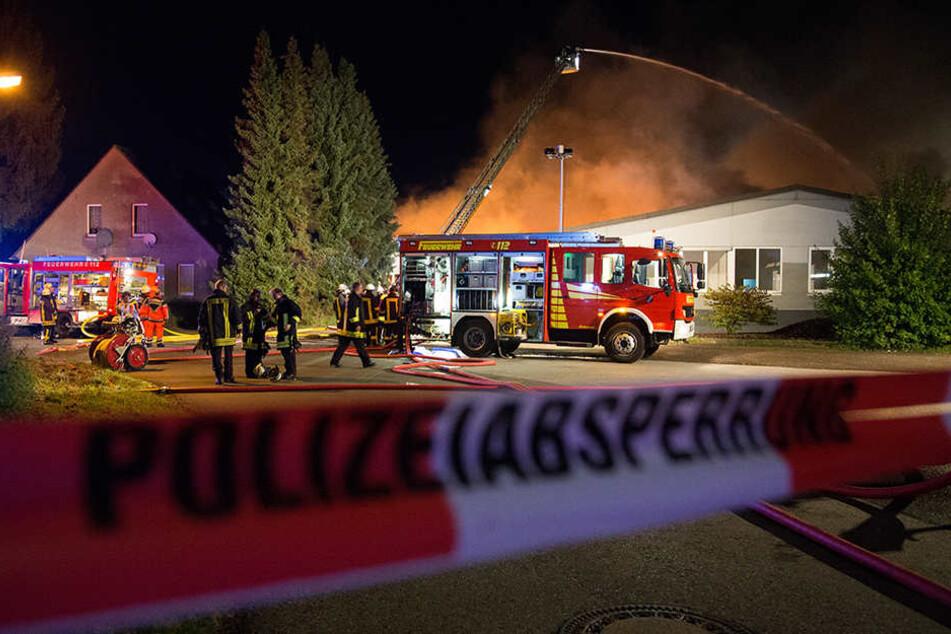 Die Feuerwehr sucht aktuell noch nach Glutnestern.