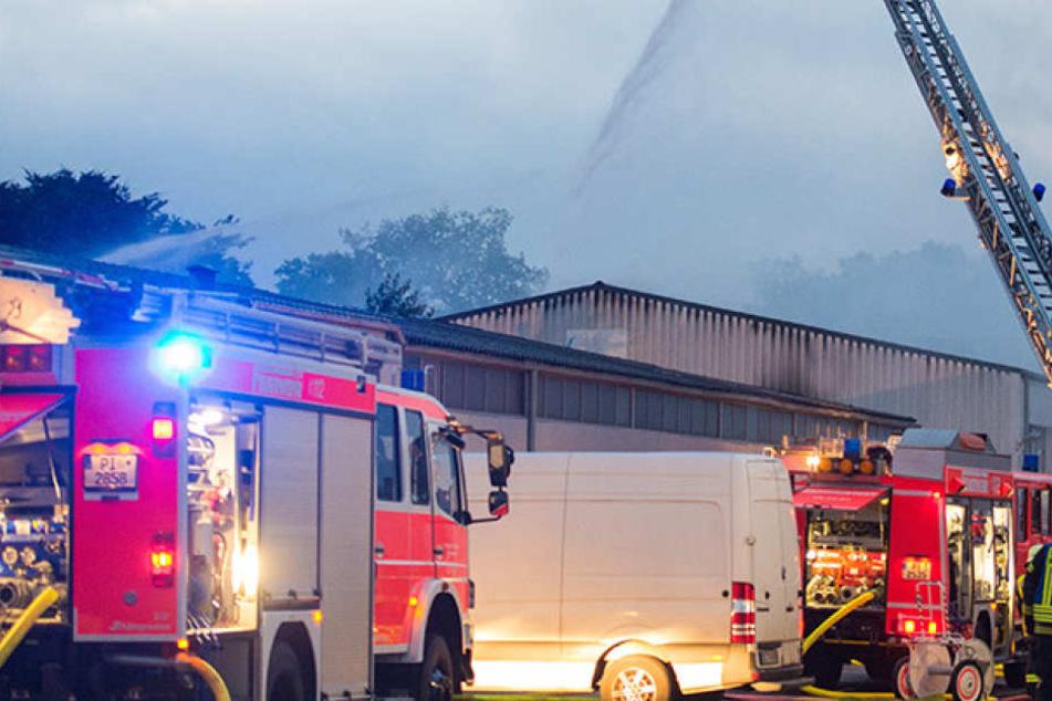 Bäckerei-Lagerhalle durch Großbrand vollständig zerstört