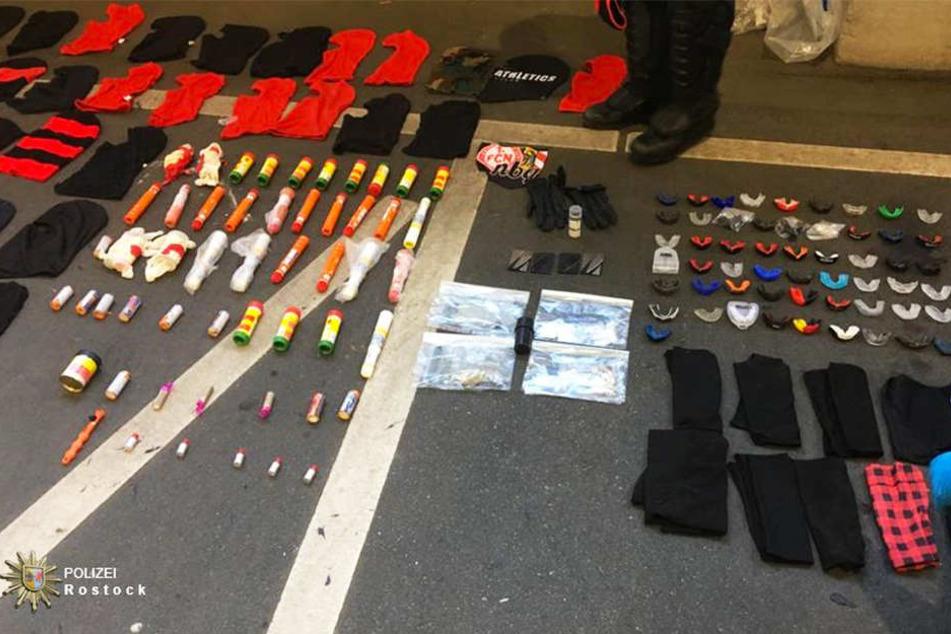 Diese Gegenstände stellte die Polizei Rostock sicher.