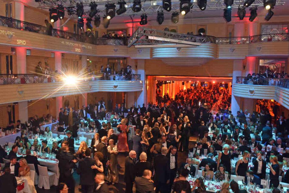 Im Bayerischen Hof in München feiert die Prominenz das vergangene Filmjahr.