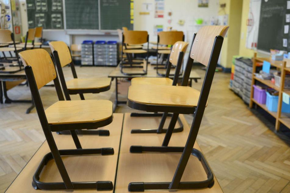Wenn der Lehrermangel nicht behoben werden kann, kann es zu immer mehr Unterrichtsausfall kommen. (Symbolbild)