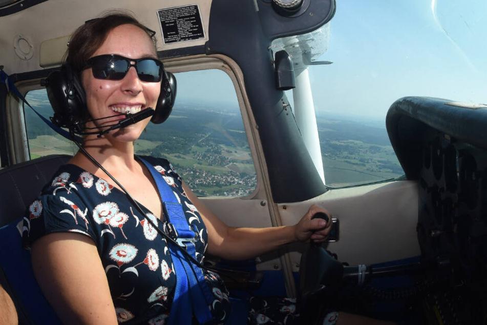 Um erfolgreich ins Weltall fliegen zu können absolviert die Wissenschaftlerin verschiedene Trainingseinheiten