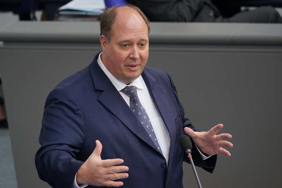 Kanzleramtsminister Helge Braun (48, CDU) erinnert am Donnerstag in Berlin an den Aufstand.