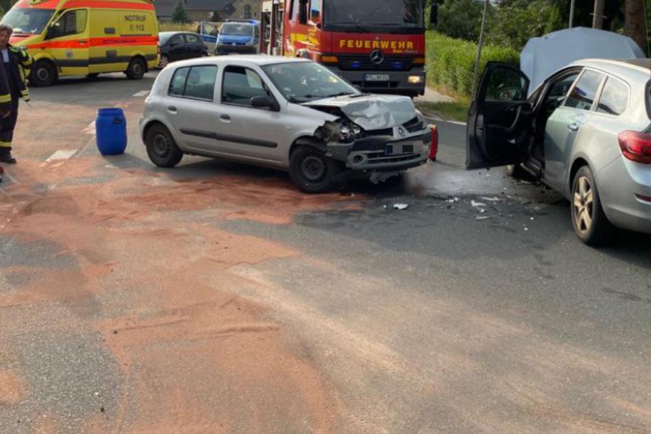 Kreuzungs-Crash im Landkreis Leipzig: Wohl zwei Kinder unter den Verletzten