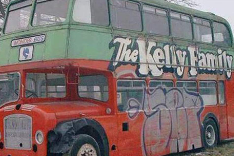 deine chance bus der kelly family steht zum verkauf. Black Bedroom Furniture Sets. Home Design Ideas
