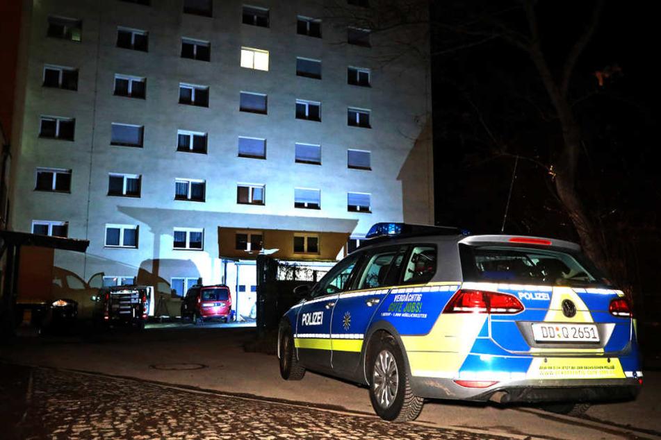 Todesdrama in Seniorenheim - Pfleger sticht Frau nieder und tötet sich selbst