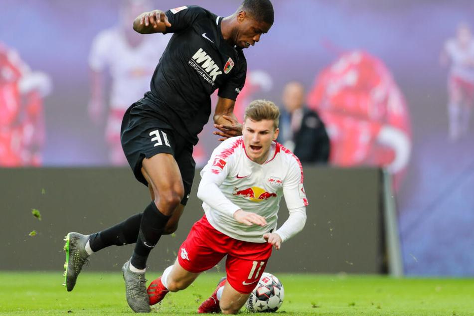 Mit dem körperbetonten Spiel des FC Augsburg hat sich Leipzig bisher eher schwer getan. Fällt die Entscheidung am Ende im Elfmeterschießen?