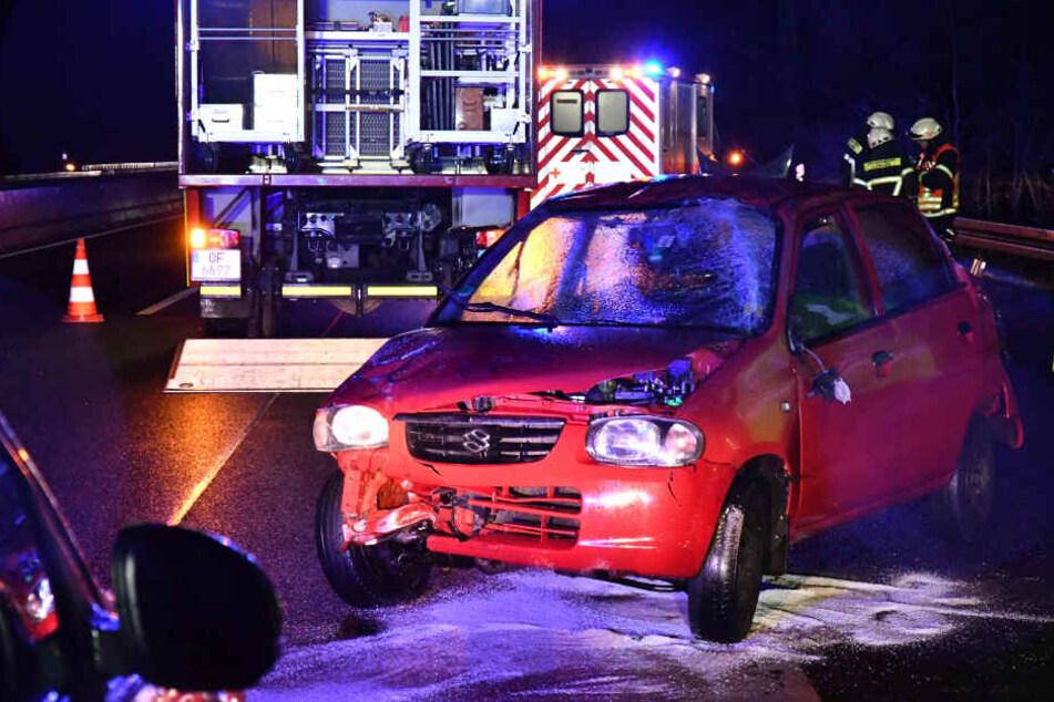 Auch an dem roten Suzuki entstand ein größerer Schaden.