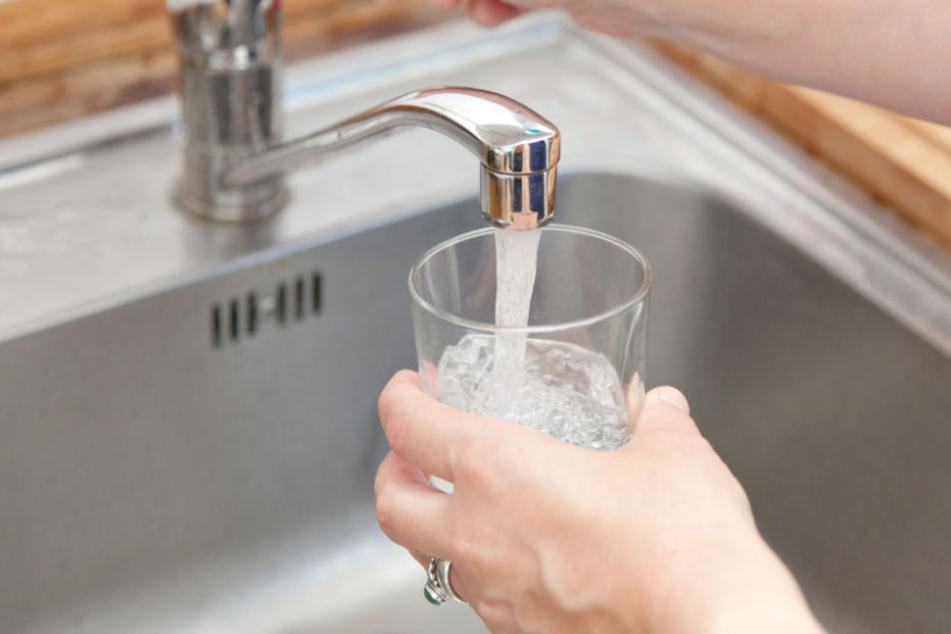 Das Wasser kann wieder bedenkenlos getrunken werden (Symbolfoto).