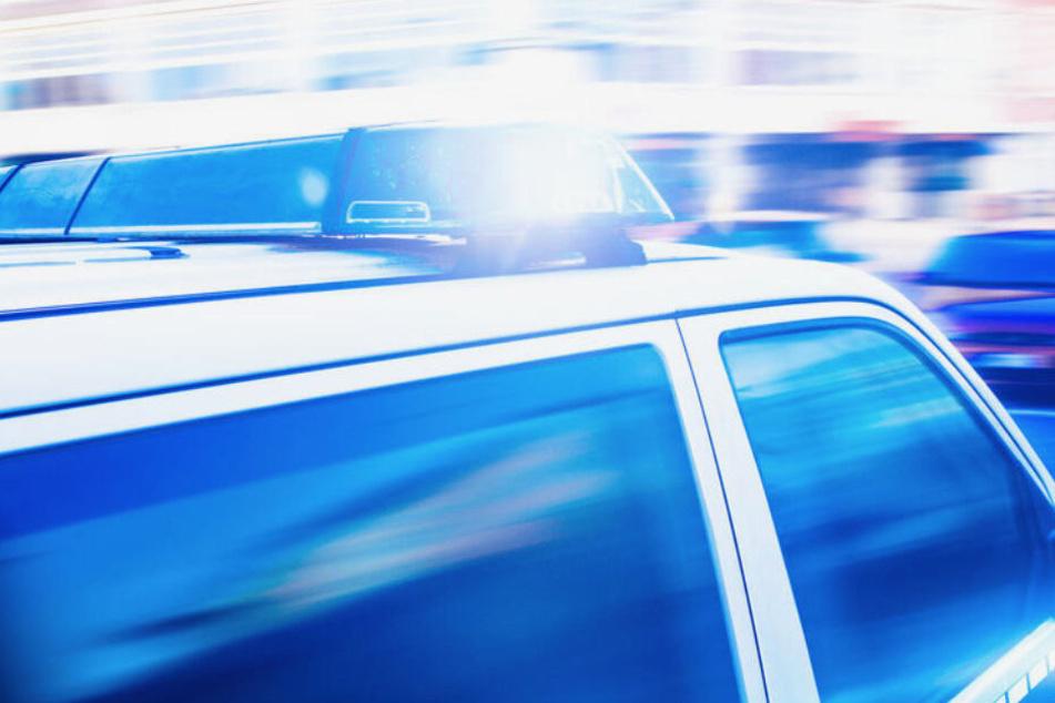 Die Polizei sucht nach den drei Tätern. (Symbolbild)