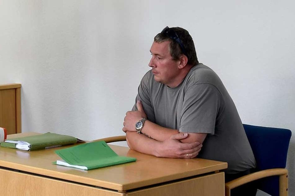 Der Brandenburger AfD-Landtagsabgeordneten Jan-Ulrich Weiß wurde beim Zigaretten-Schmuggel im großen Stil erwischt und muss sich erneut vor Gericht verantworten (Archivbild).