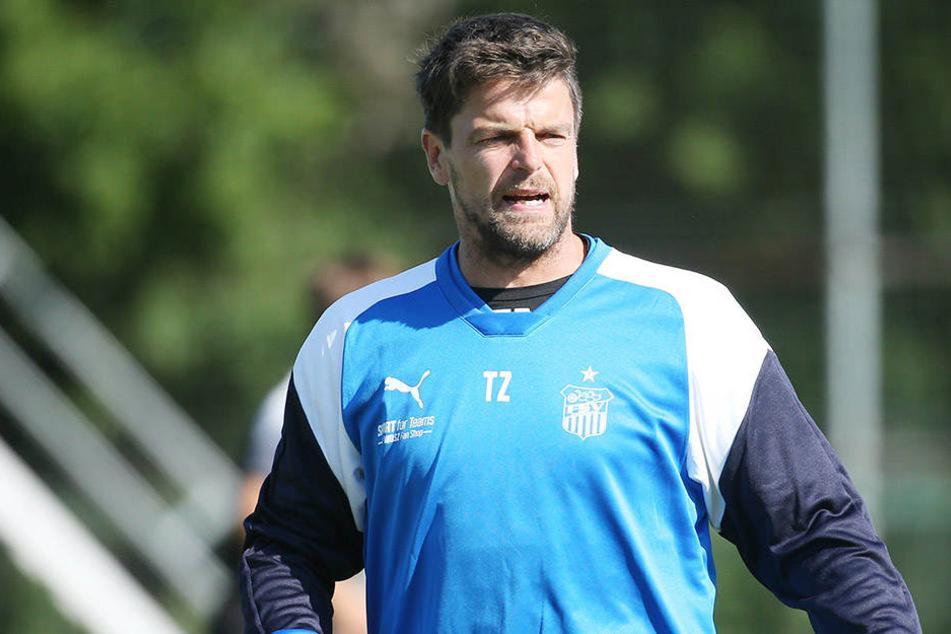 40. Geburtstag, aber auf dem Trainingsplatz wird FSV-Coach Torsten Ziegner heute dennoch stehen.