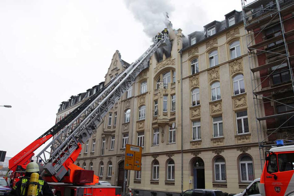Am Montag kamen bei dem Brand in Plauen zwei Menschen ums Leben.