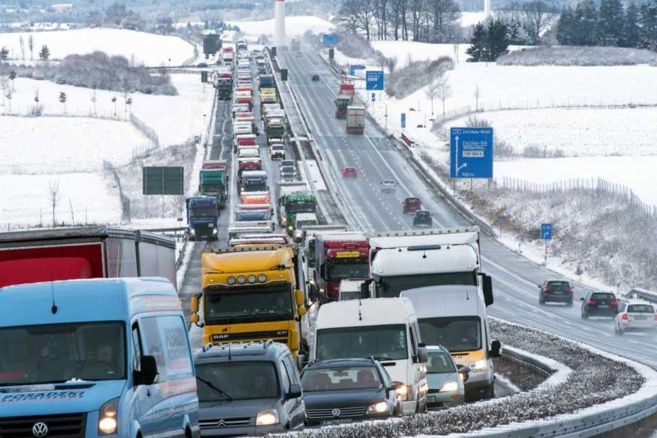 Derzeit geht auf der A72 im Bereich Zwickau nichts mehr.