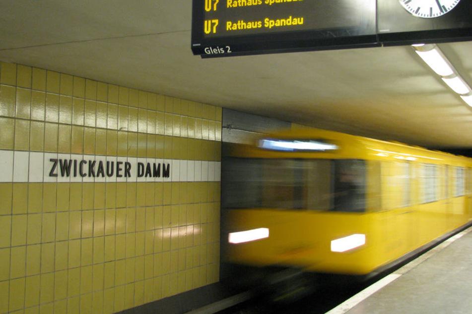Die U-Bahn ist das pünktlichste Verkehrsmittel in Berlin.
