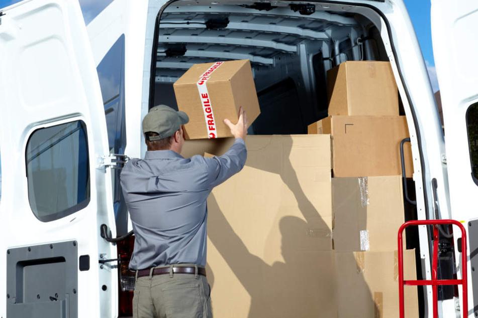 Pflichtbewusst gab der Zusteller die Pakete nicht an den angeblichen Empfänger aus (Symbolbild).