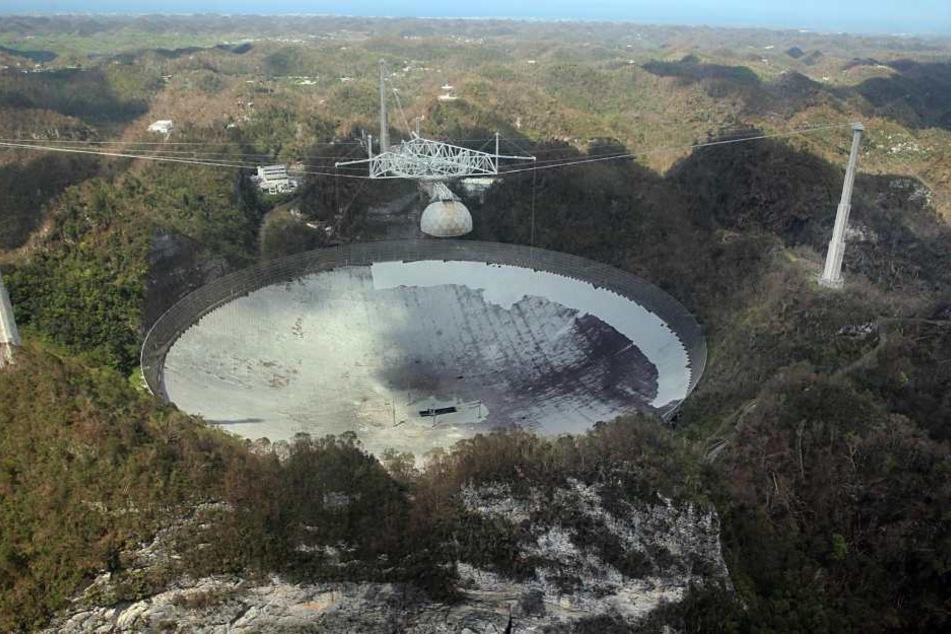Das Radioteleskop des Arecibo-Observatoriums ist das zweitgrößte auf der Welt.