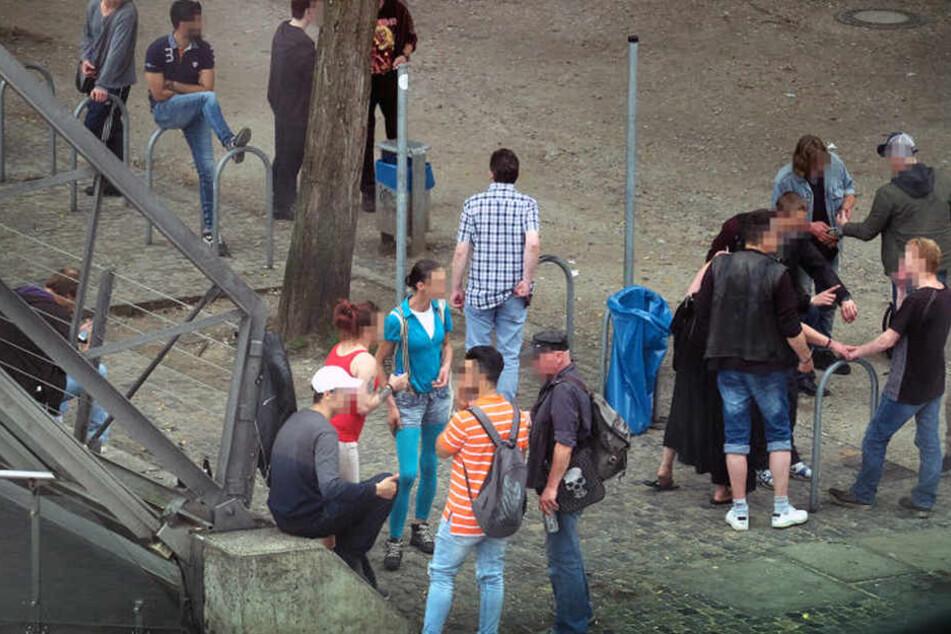 """Die Trinker-Szene an der """"Tüte"""" beschäftigt Stadt und Politik seit langer Zeit."""