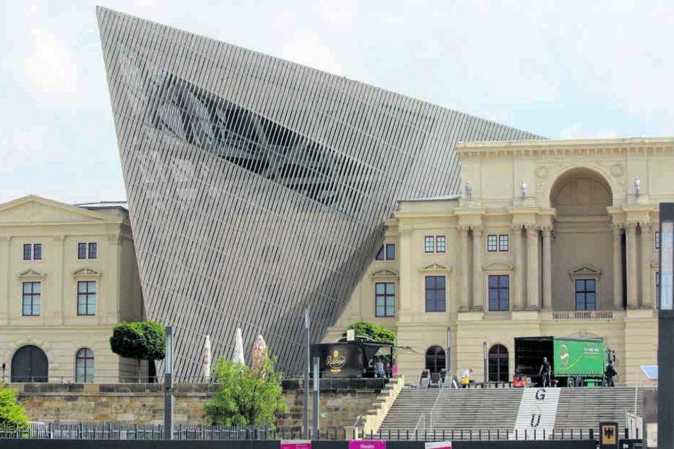 Im Militärhistorischen Museum Dresden stellen sich Freitag Deutschlands Elitesoldaten vor.