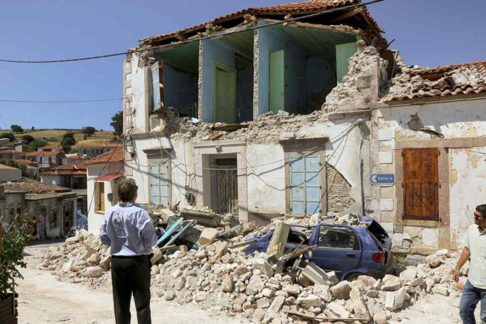 Vor wenigen Tagen hatte bereits ein starkes Erdbeben für Verwüstung gesorgt - wie hier auf Lesbos.