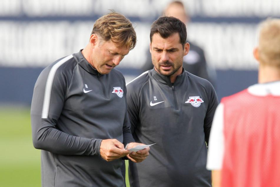 Zsolt Löw (39, r.) wird wohl neuer Co-Trainer von Thomas Tuchel (44) bei Paris Saint-Germain. RB Leipzig will aber im Gegenzug eine Ablöse und ein Testspiel gegen PSG.
