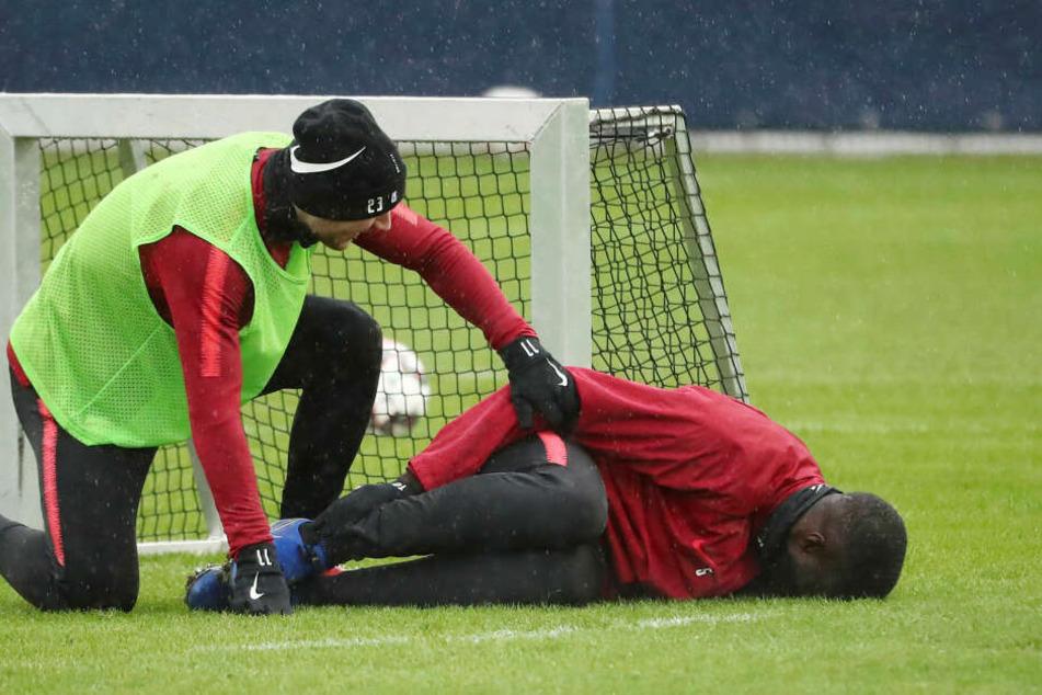 Am 8. Januar ist Upamecano bereits nach einem Foul von Timo Werner auf dem Rasen liegen geblieben, konnte dann aber weiter trainieren.