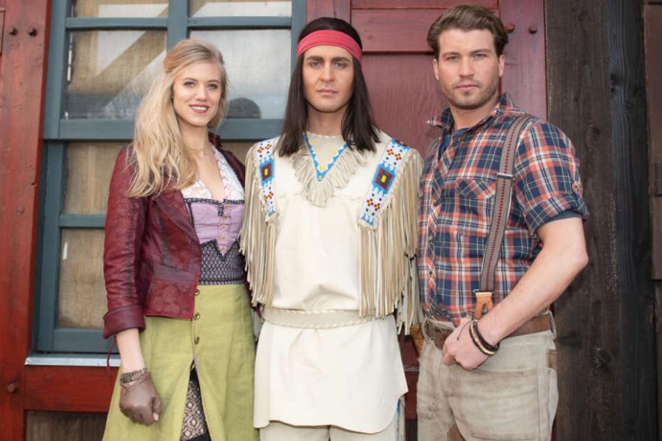 Larissa Marolt spielt bei den Karl-May-Spielen Tiffany O'Toole, Alexander Klaws (Mitte) gibt erstmals den Winnetou und Raul Richter ist der Sohn des Bärenjägers.