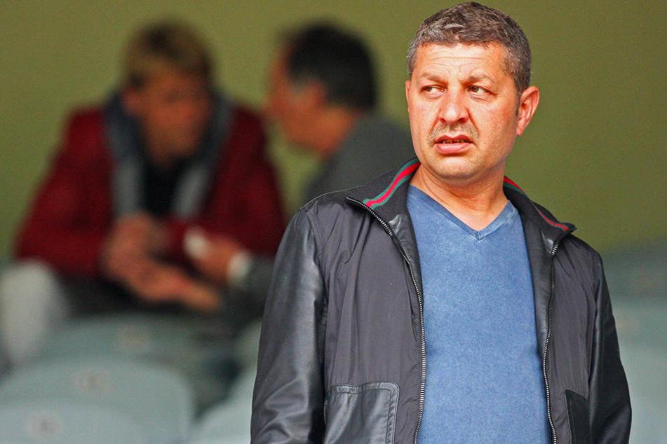 Erst wollte er gar nicht in Chemnitz spielen, jetzt will er seine Mannschaft sofort vom Feld holen, sollte es rassistische Äußerungen gegenüber seinen Spielern geben: BAK-Präsident Mehmet Ali Han.
