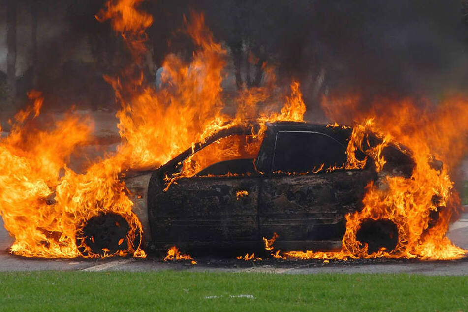 In Gütersloh brannten zum wiederholten Mal Autos. (Symbolbild)