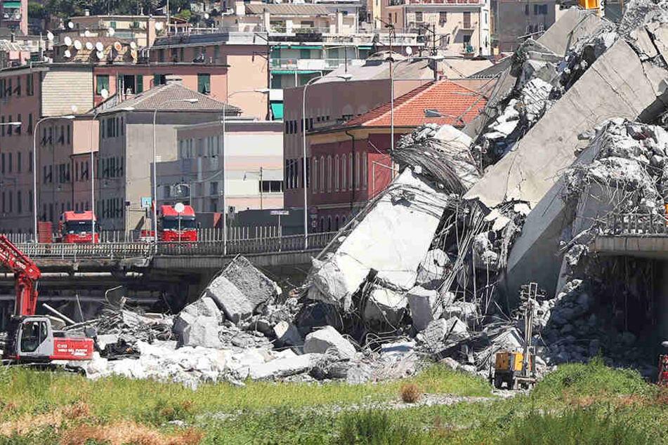 Brückendrama von Genua: Kleines Mädchen (9) und Eltern liegen tot in den Trümmern