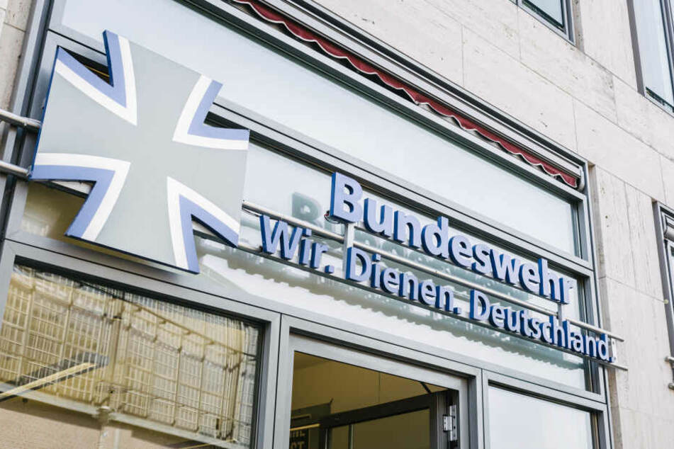 Die Bundeswehr hat einen Hausmeister wegen Verbindungen zur rechtsextremen Szene entlassen (Symbolbild).