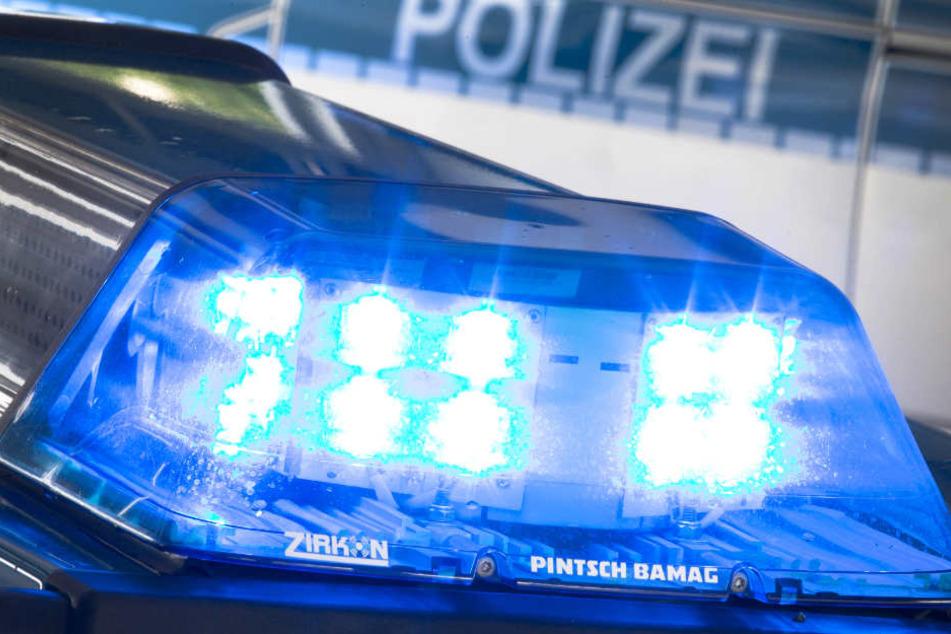 Die Polizei musste einen betrunkenen Schwarzfahrer kontrollieren. (Symbolfoto)