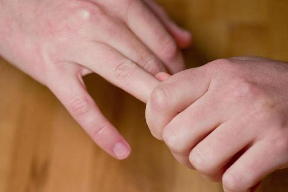 Forscher aus Kanada beschäftigten sich intensiv mit dem Geräusch, das durch das Fingerknacken entsteht.