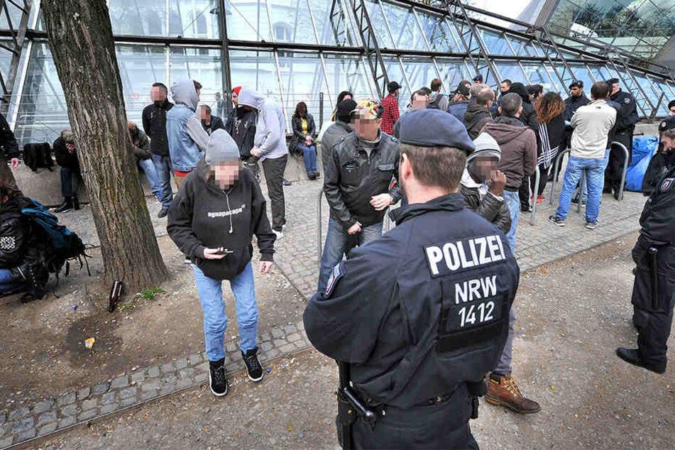 """Immer wieder kommt es zu Polizeikontrollen an der """"Tüte""""."""