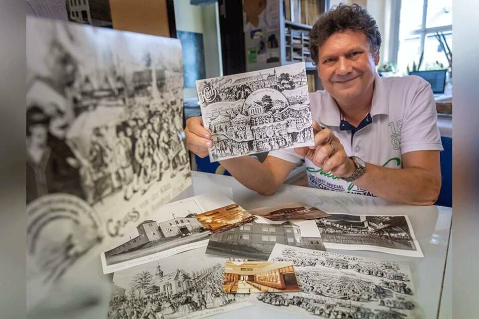 Bauamt-Mitarbeiter und Kät-Kenner Christian Sieber (63) zeigt historische Dokumente von der Annaberger Kät.