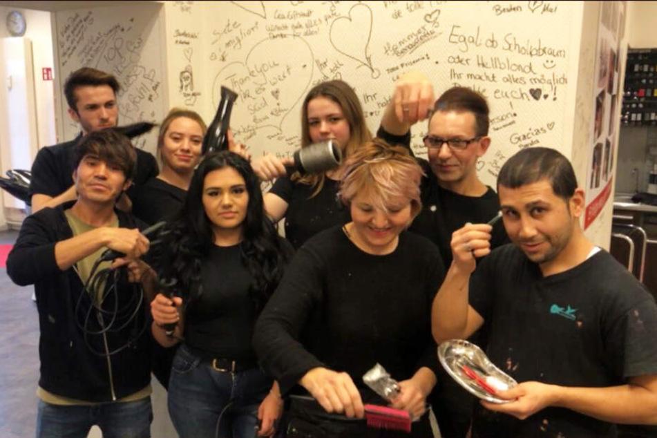 """Das multikulturelle Team von """"Arson Hair""""."""