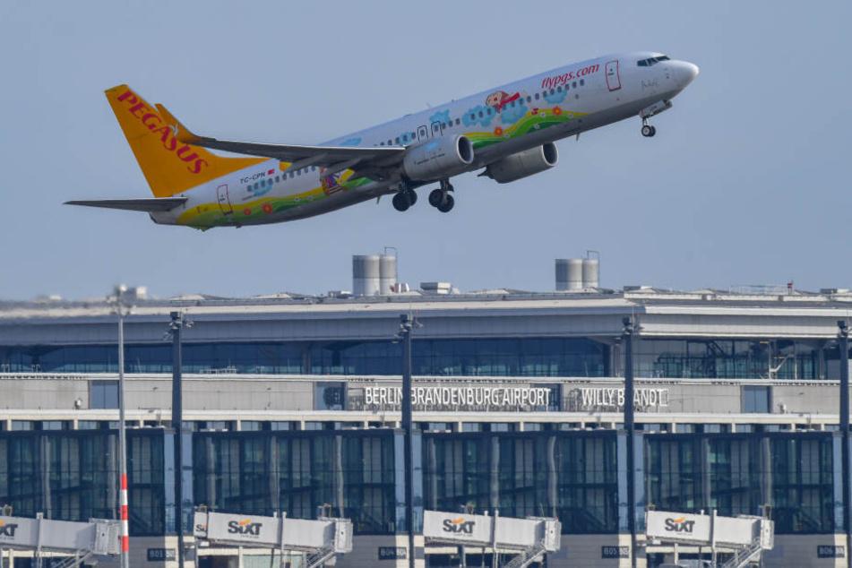 Der Eindruck täuscht: Das Flugzeug ist vom Flughafen Schönefeld gestartet.