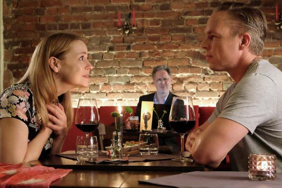 Bernadette Winklers Date wird beobachtet...