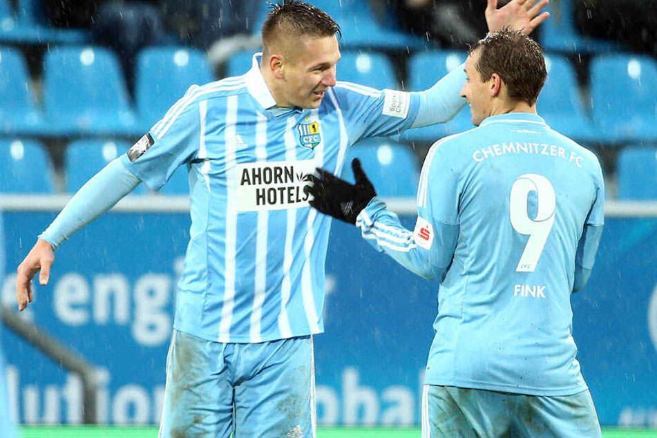 Am liebsten würden die Chemnitzer Fans einen jubelnden Daniel Frahn (l.) mit seinem Kompagnon Anton Fink sehen.