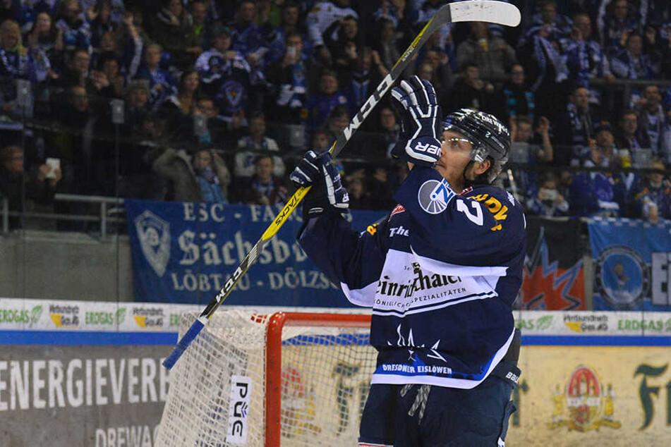 Am liebsten jubelnd wollen die Eislöwen-Fans Teemu Rinkinen sehen.