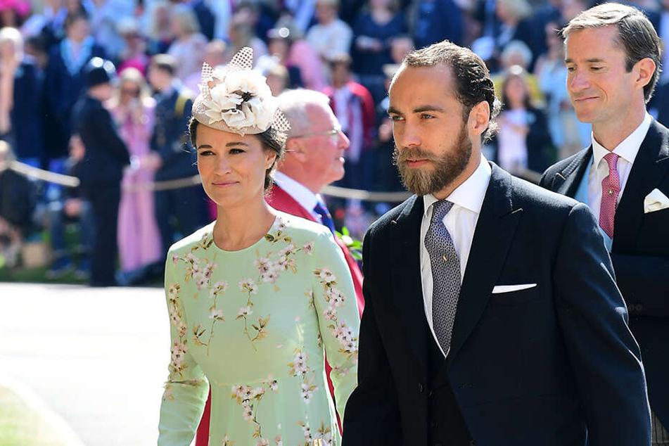 Zur Hochzeit von Harry und Meghan im Mai kam James mit Schwester Pippa.