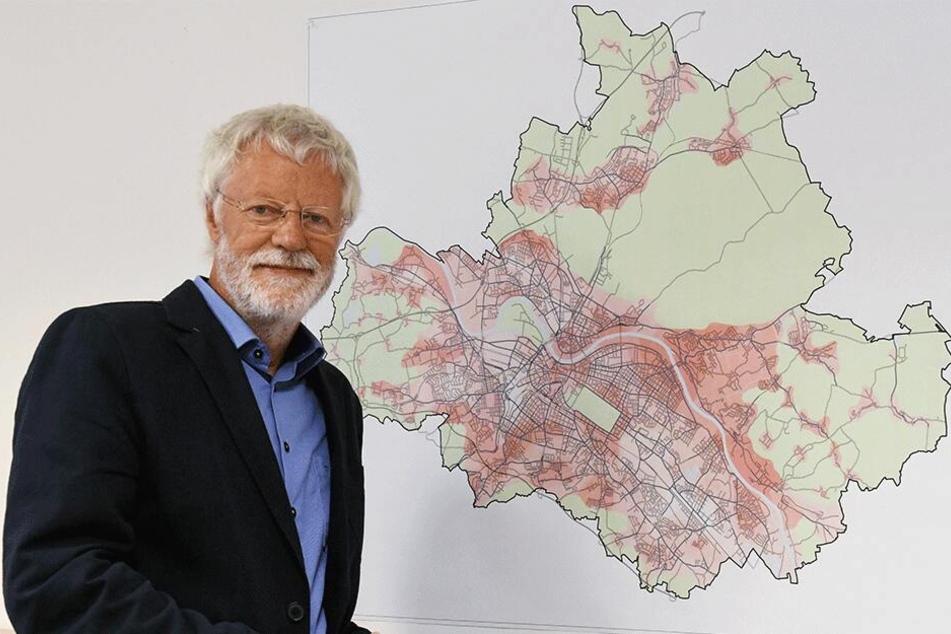 Der Mieterverein um Chef Peter Bartels (74) kämpft sich durch Tausende Vonovia-Akten.