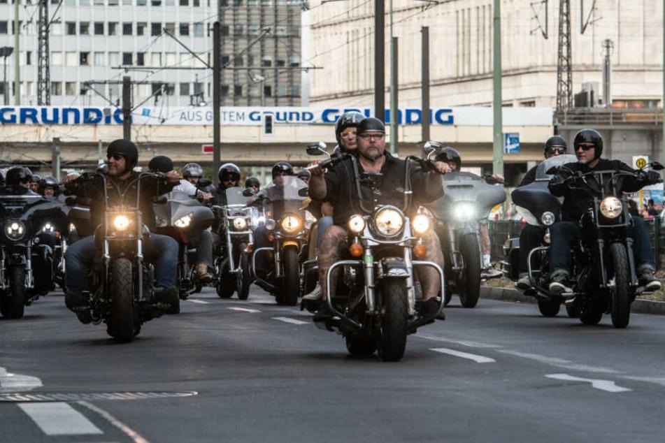 Motorradfahrer bei der Demo gegen das Verbot ihrer Abzeichen im vergangenen Jahr.