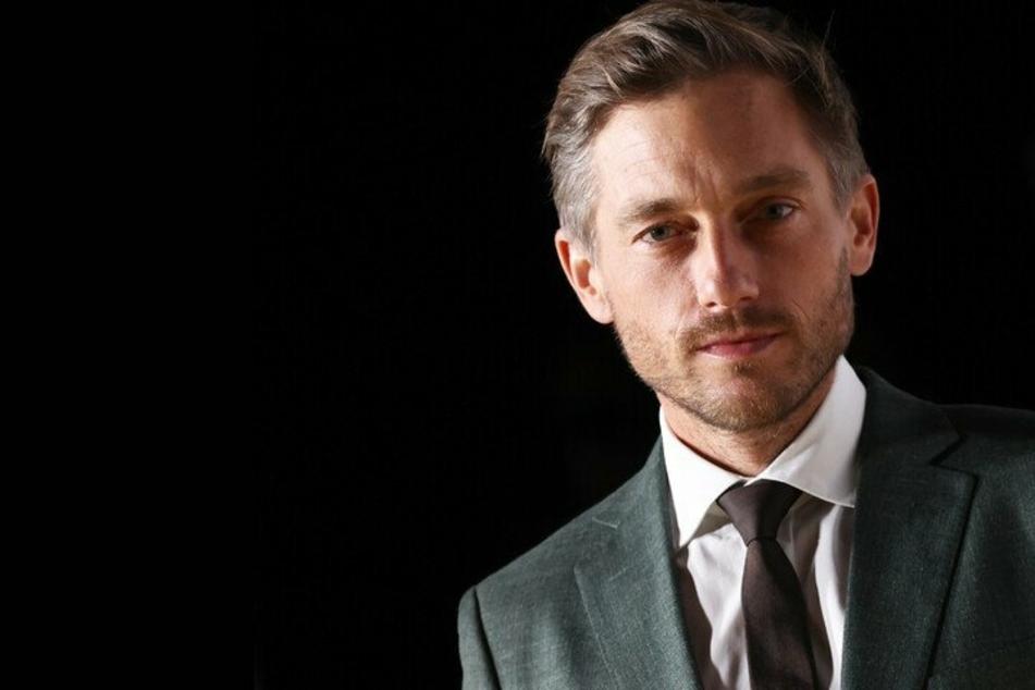 """Schauspieler um """"Babylon Berlin""""-Star Volker Bruch verteidigen Video-Aktion #allesdichtmachen"""