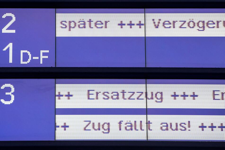 Zwischen Hamburg und Kiel fallen derzeit alle Züge aus. (Symbolbild)