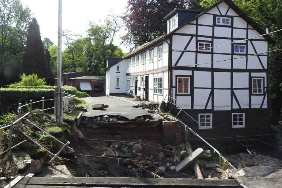 In Kirchsteinbeck brach das Wasser durch einen Deich.