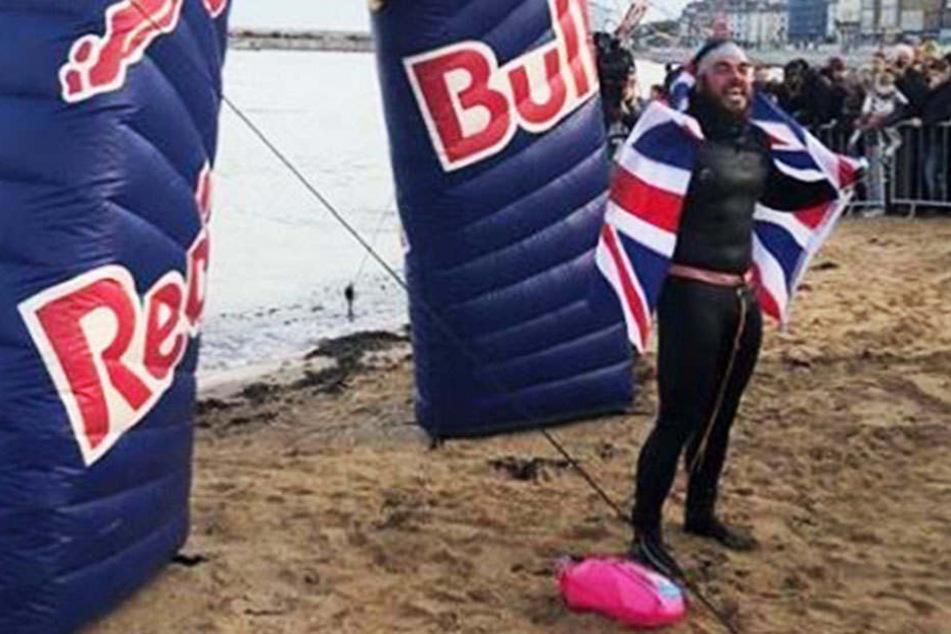 2900 Kilometer! Abenteurer schwimmt einmal um britische Insel