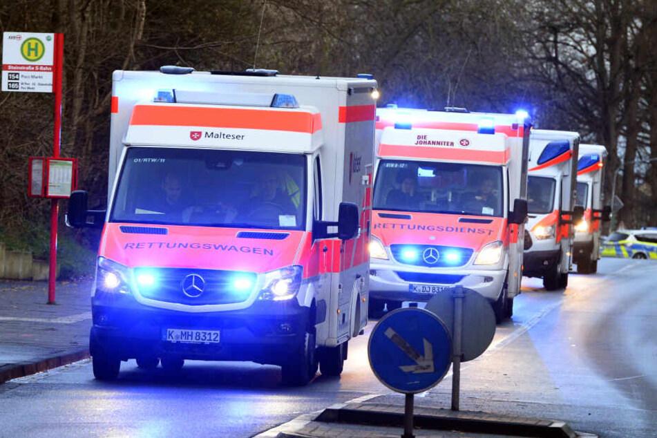 Krankenwagen mussten anrücken, um die Kunden zu versorgen. (Symbolbild)