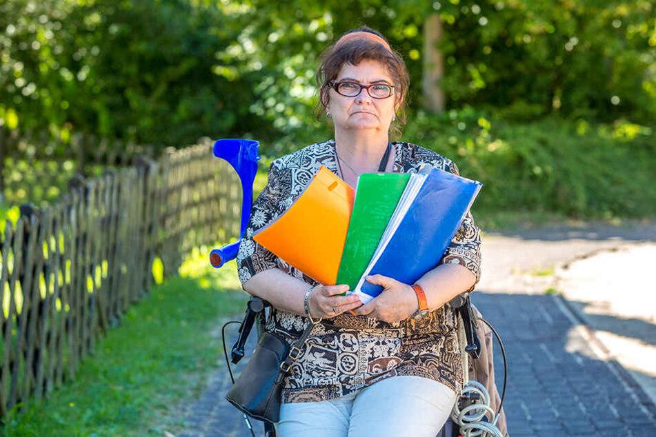 Seit Jahren kämpft die schwerkranke Frau um die Hochstufung ihres Schwerbehinderten-Grades. Das Dresdner Sozialamt verweigert ihr diese.