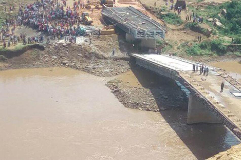 Nur wenige Tage nach Inspektion: 12 Millionen Dollar-Brücke bricht zusammen